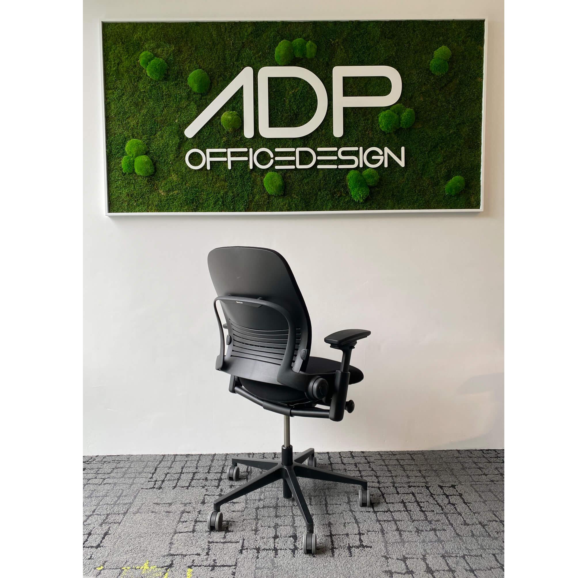 Steelcase LEAP V2 Bürostuhl BLACK EDITION mit Armlehnen und Wollbezug FAME