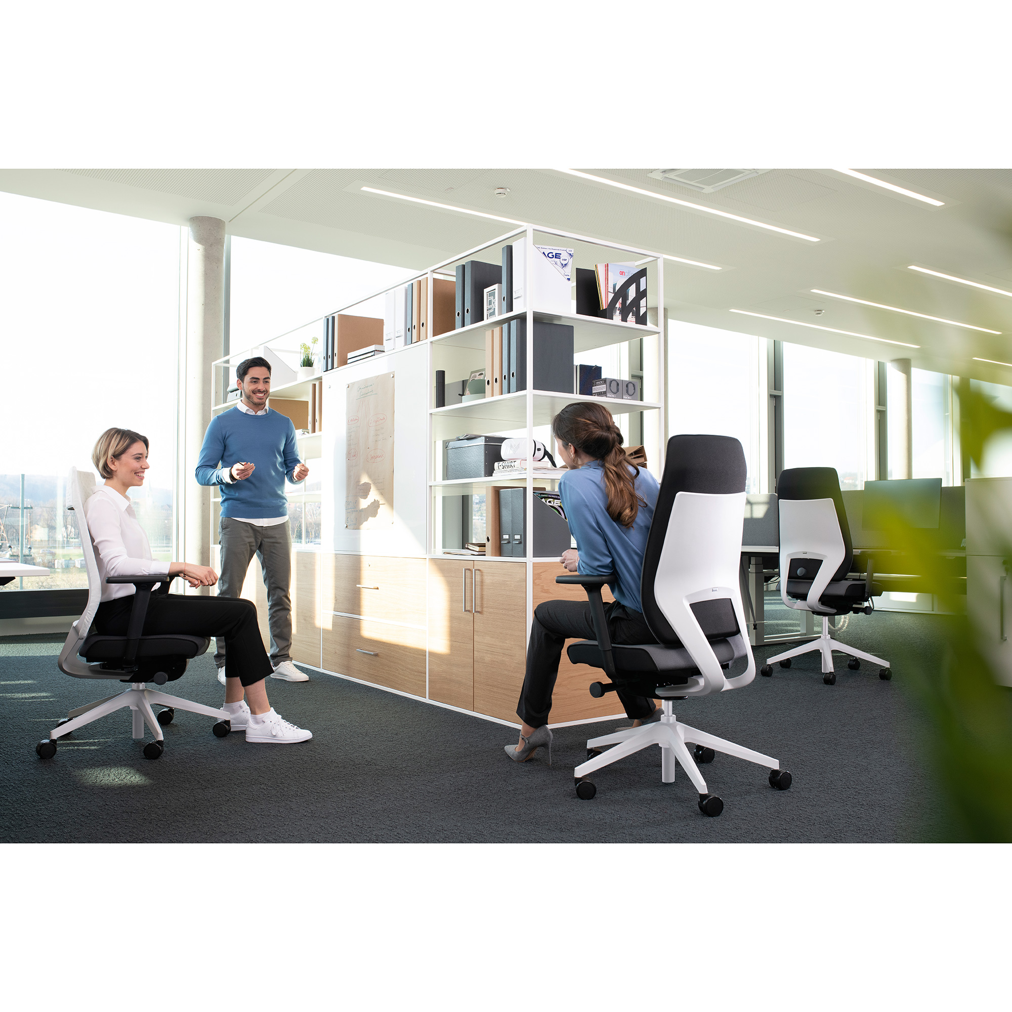 Interstuhl JOYCEis3 JC212 Netzrücken-Bürostuhl mit hoher Rückenlehne