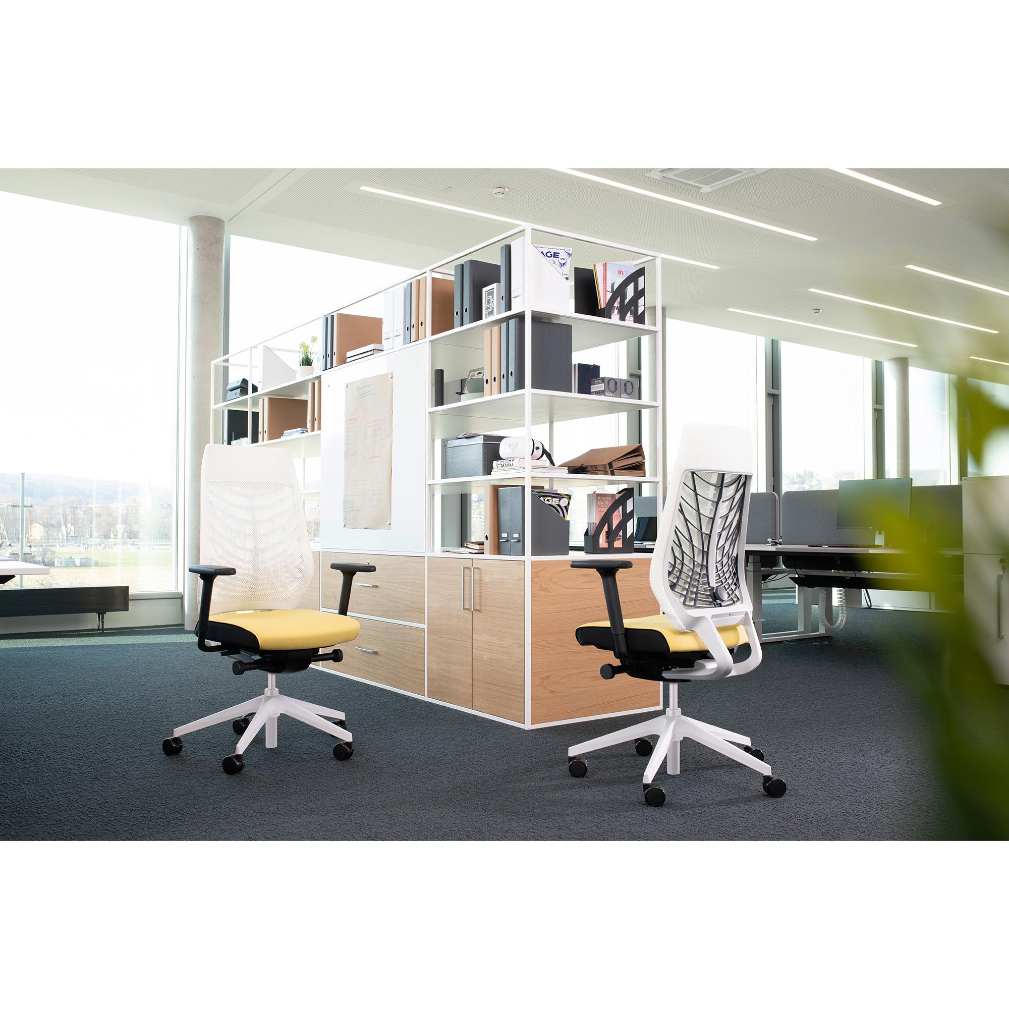 Interstuhl JOYCEis3 JC113 Bürostuhl mit Kopfstütze und Polsterrücken