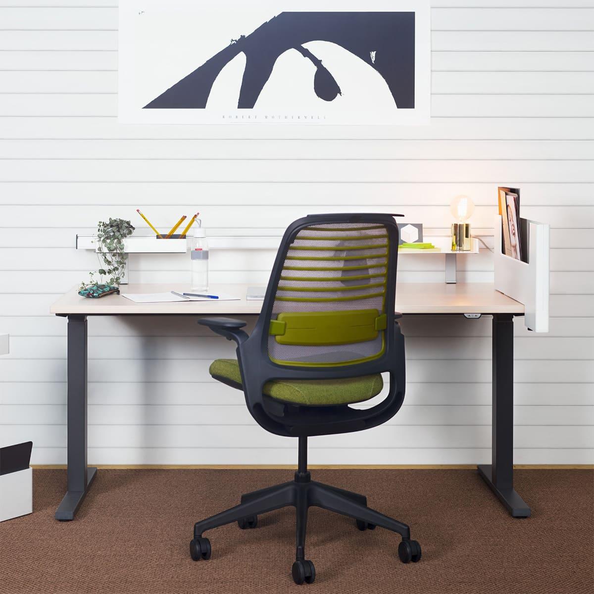 Steelcase Home Office-Paket BERLIN, Bürodrehstuhl & Schreibtisch