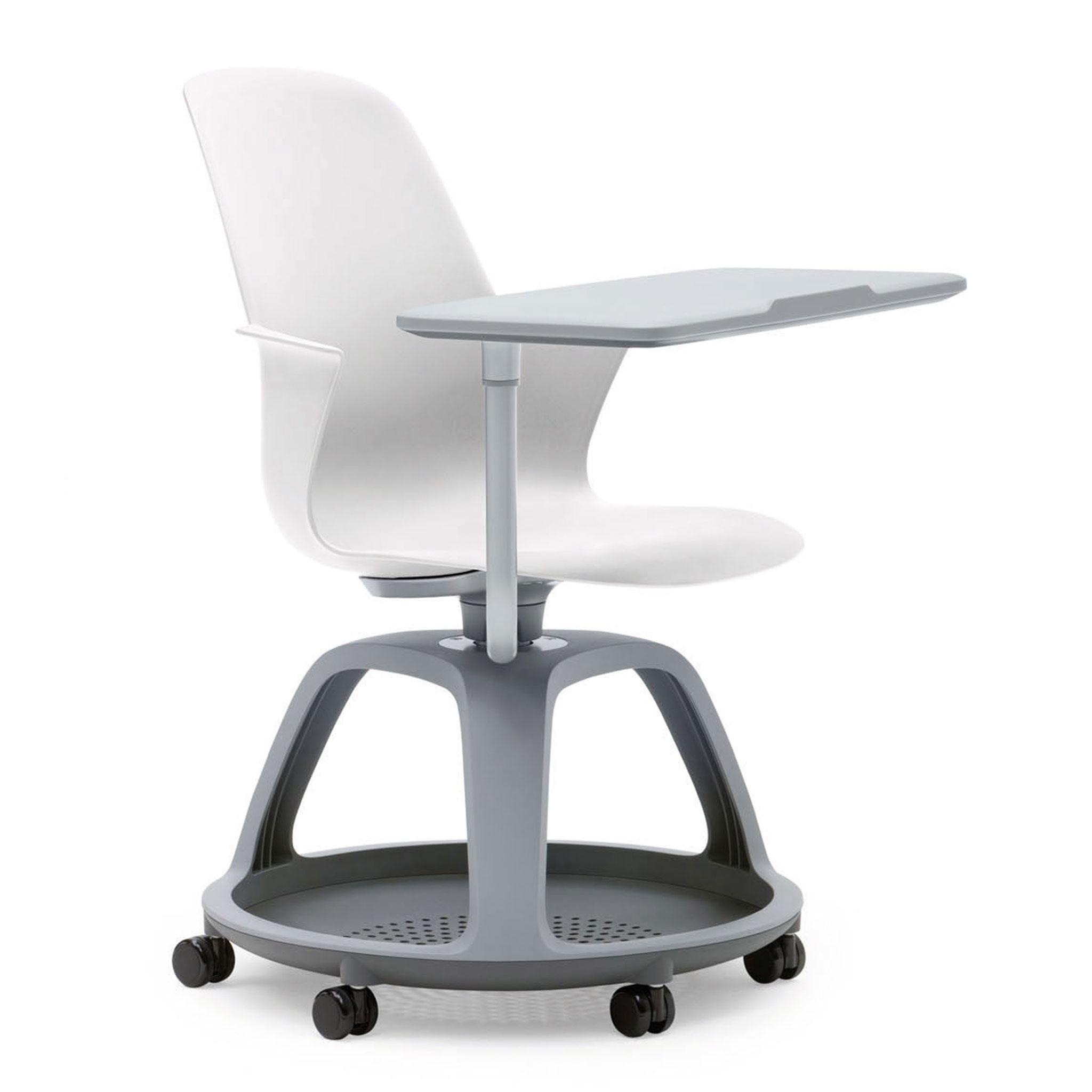 Steelcase NODE Seminarstuhl auf Rollen mit Schreibplatte und Ablagefläche
